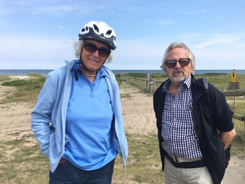 älteres Paar vor der Ostsee