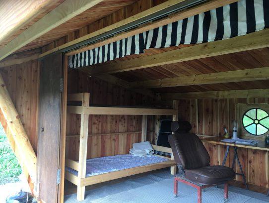Hütte mit Doppelstockbett