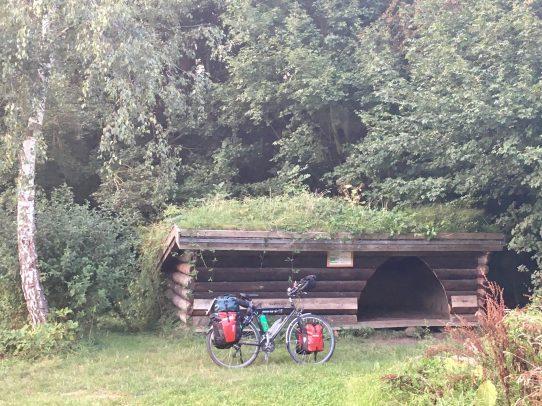 Hütte, Rad davor