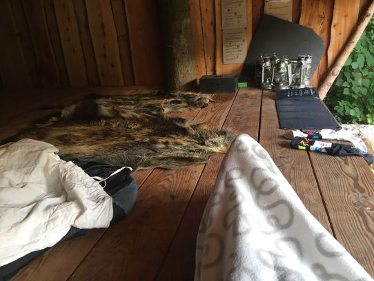 Innenraum der Hütte