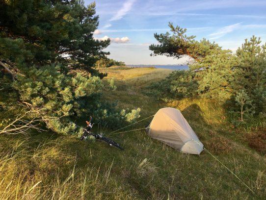 Zelt vor Düne