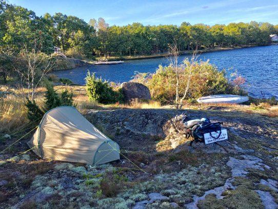 Zelt am Wasser